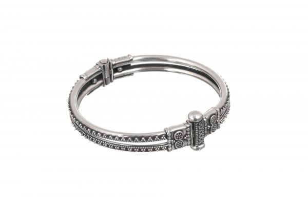 Silver bangle kadha style