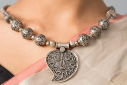 Silver necklace paisley